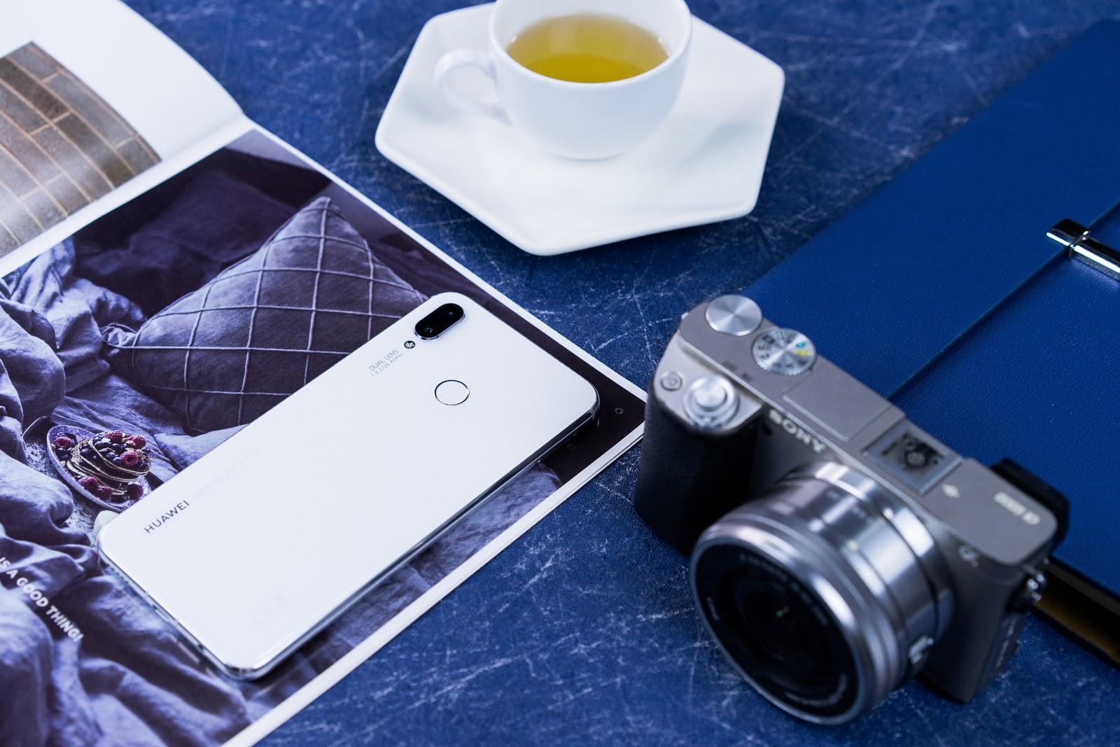 Đơn giản nhưng cuốn hút, chiếc smartphone này đáng để bạn tự thưởng cho bản thân dịp cuối năm - Ảnh 2.