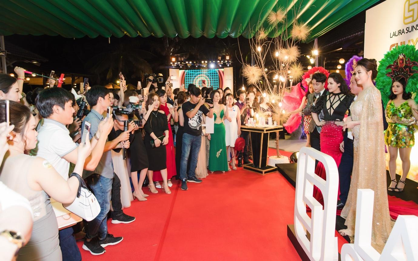 Nhật Kim Anh mạnh tay chi tiền tỉ cho sự kiện tri ân khách hàng sau 9 tháng ra mắt thương hiệu mỹ phẩm riêng - Ảnh 1.