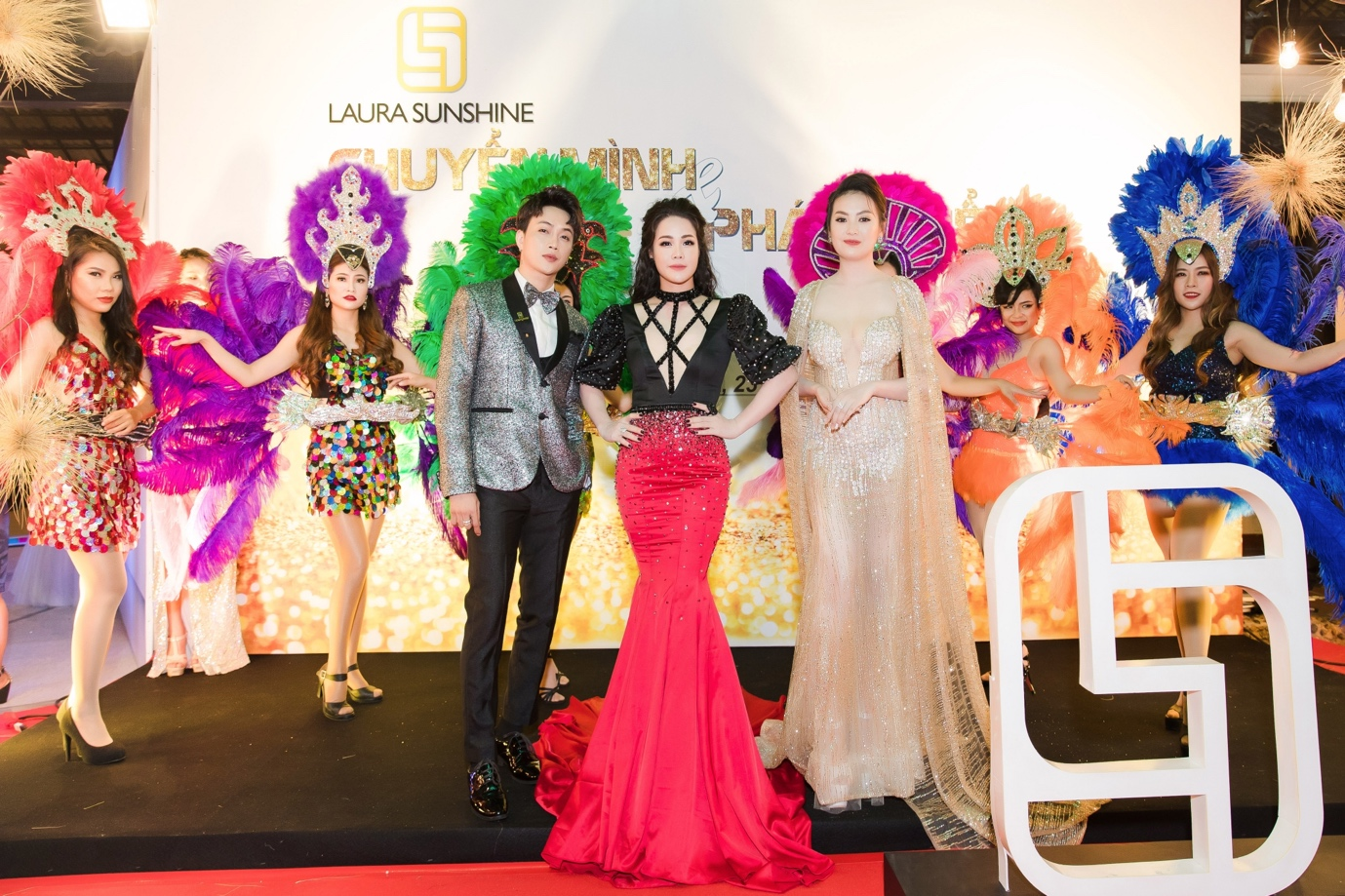 Nhật Kim Anh mạnh tay chi tiền tỉ cho sự kiện tri ân khách hàng sau 9 tháng ra mắt thương hiệu mỹ phẩm riêng - Ảnh 2.