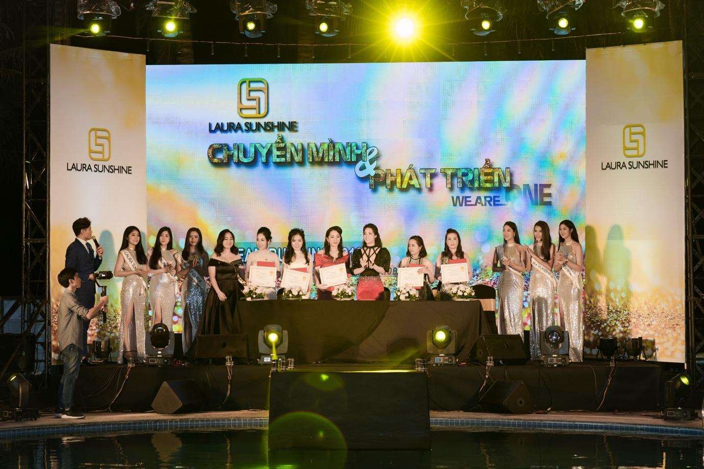 Nhật Kim Anh mạnh tay chi tiền tỉ cho sự kiện tri ân khách hàng sau 9 tháng ra mắt thương hiệu mỹ phẩm riêng - Ảnh 8.