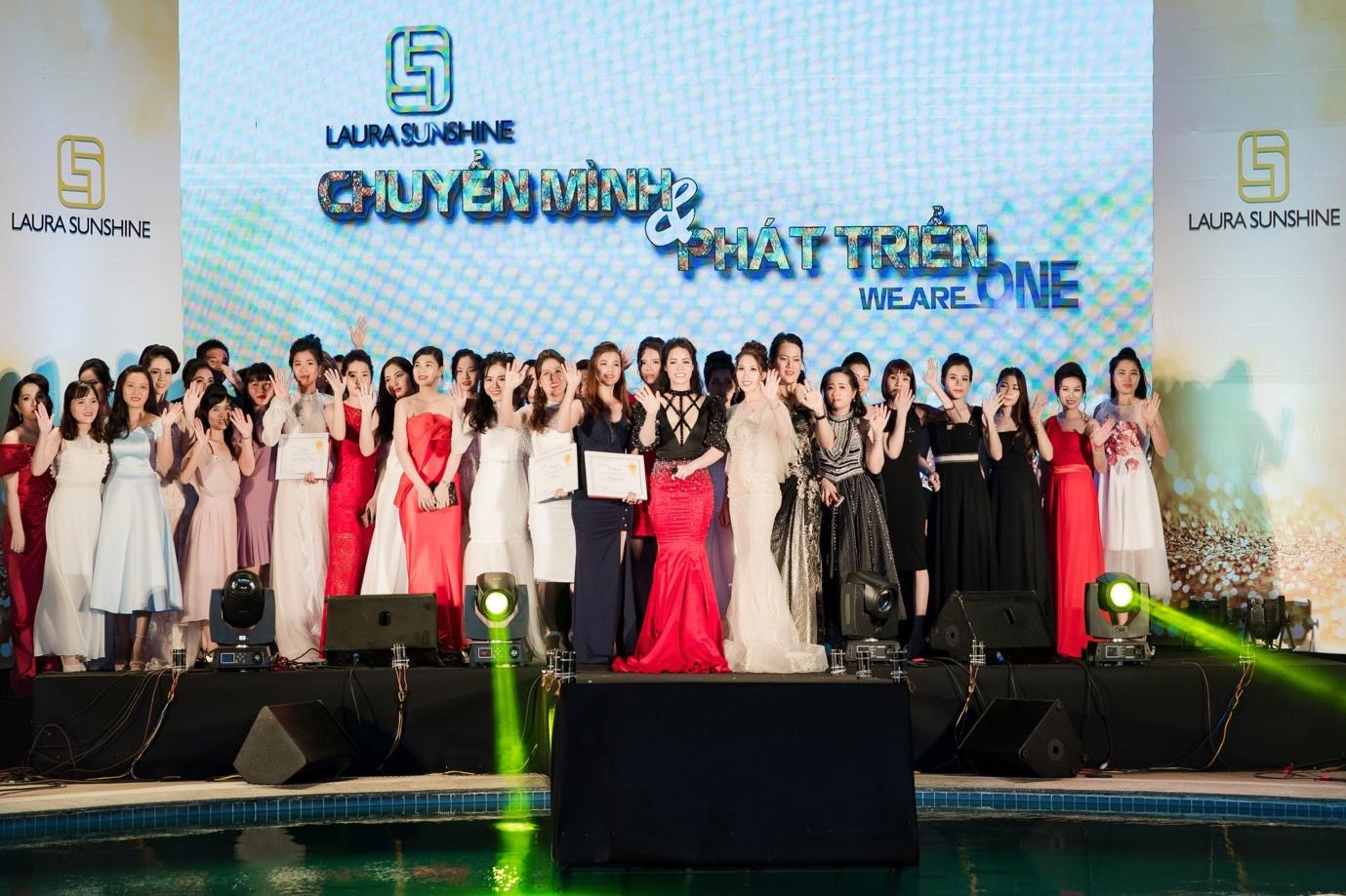 Nhật Kim Anh mạnh tay chi tiền tỉ cho sự kiện tri ân khách hàng sau 9 tháng ra mắt thương hiệu mỹ phẩm riêng - Ảnh 9.