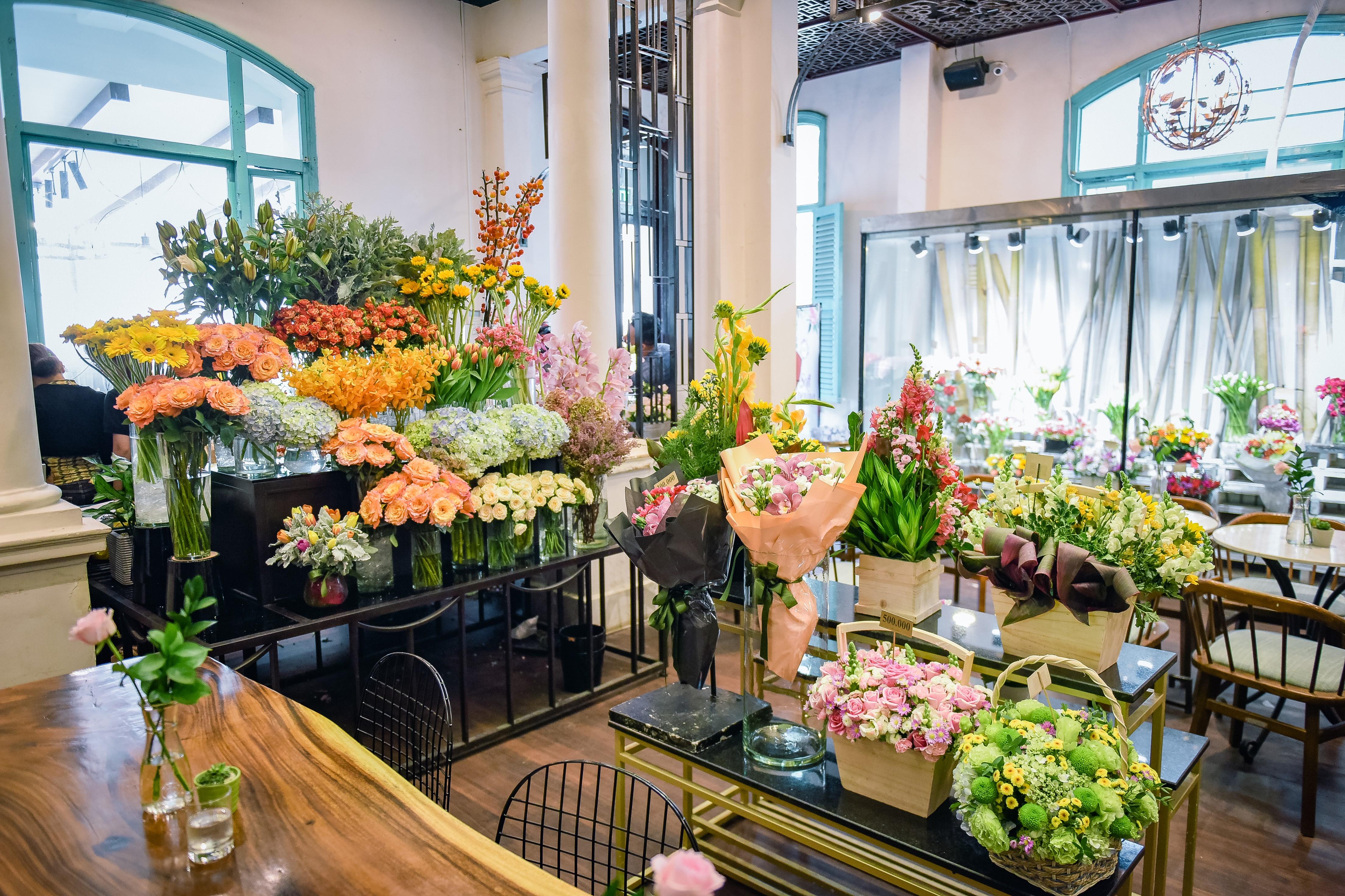 Dịp 20/10, Shark Khoa mở thương hiệu hoa mới bán 24/7 cho phái đẹp- Ảnh 2.