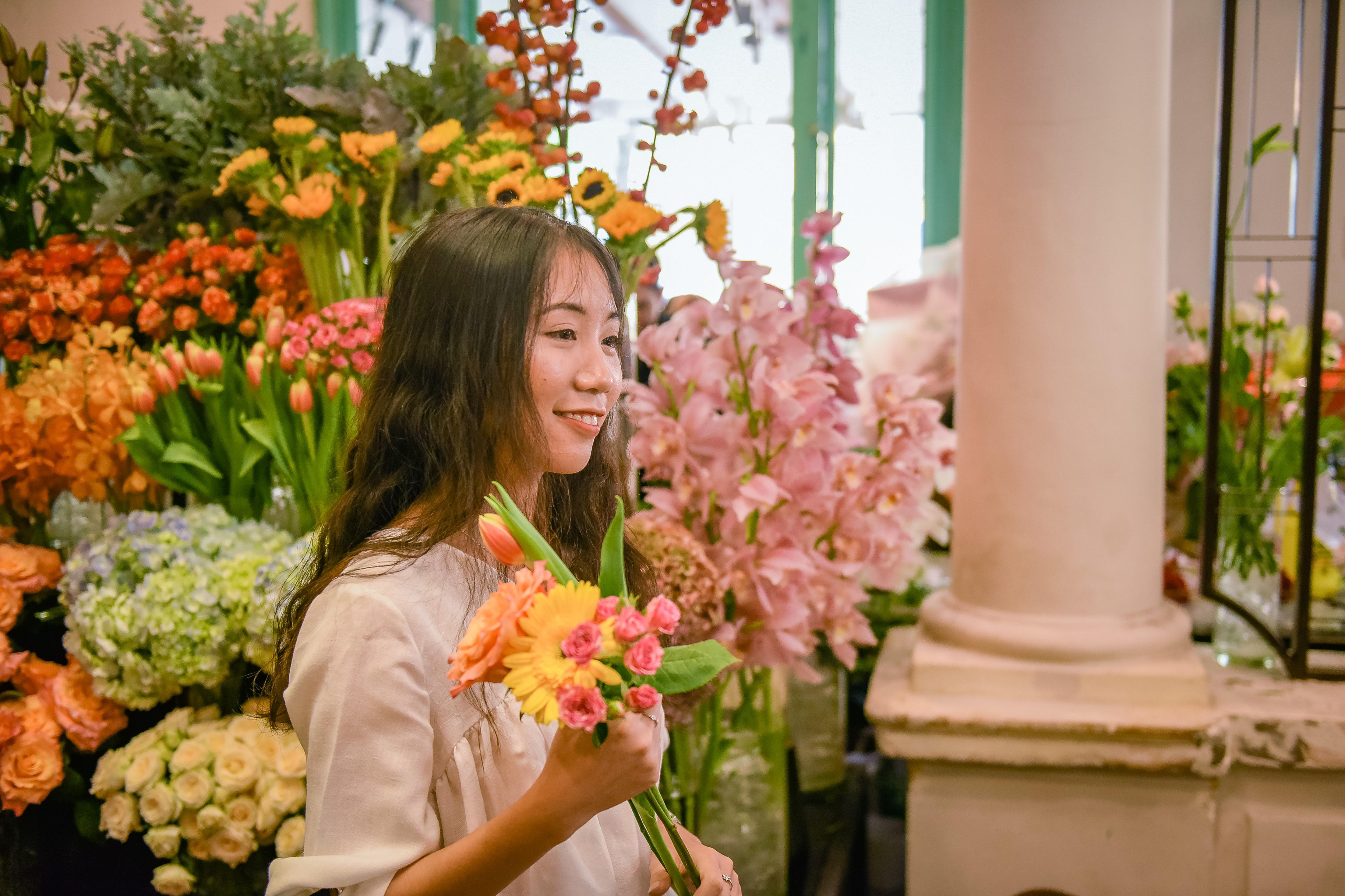 Dịp 20/10, Shark Khoa mở thương hiệu hoa mới bán 24/7 cho phái đẹp- Ảnh 3.