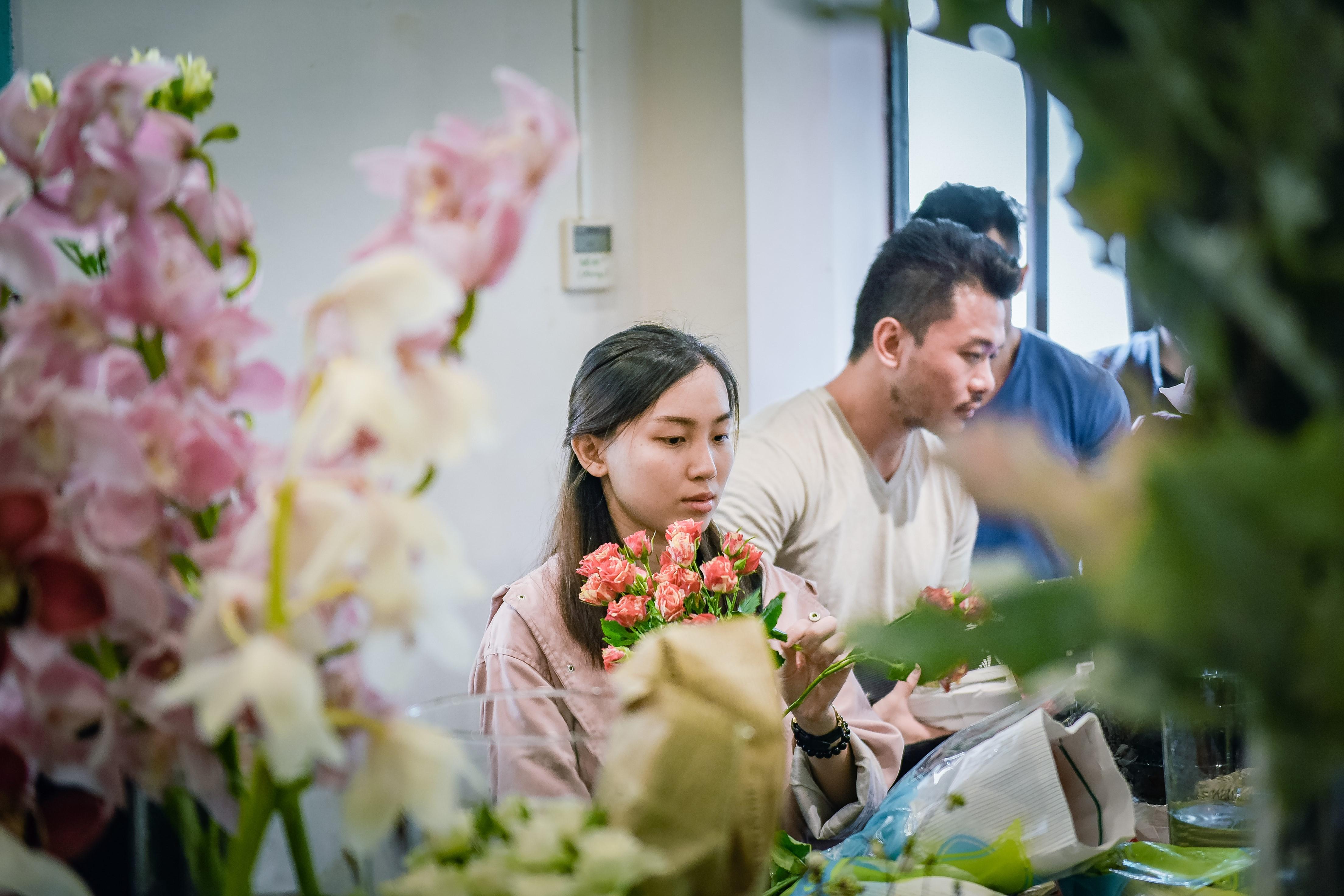 Dịp 20/10, Shark Khoa mở thương hiệu hoa mới bán 24/7 cho phái đẹp - Ảnh 4.