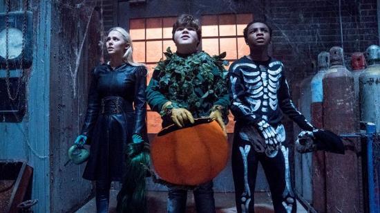 Đánh giá Goosebunps 2: Bộ phim đậm màu sắc mùa Halloween nhưng cũng đầy mới mẻ và thú vị - Ảnh 4.