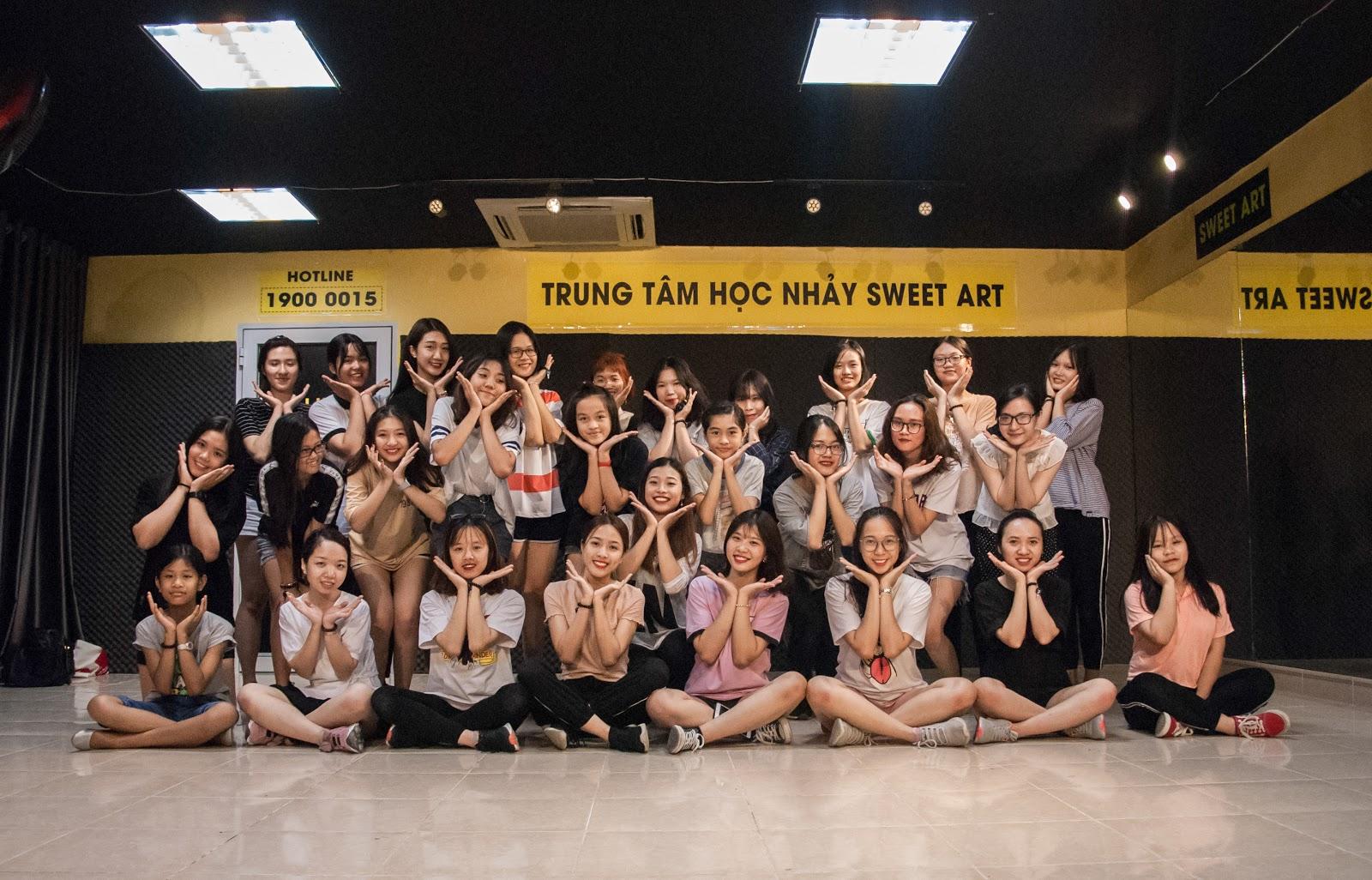 Sweet Art chinh phục nút bạc Youtube – Hành trình của một trung tâm học nhảy vô danh - Ảnh 3.