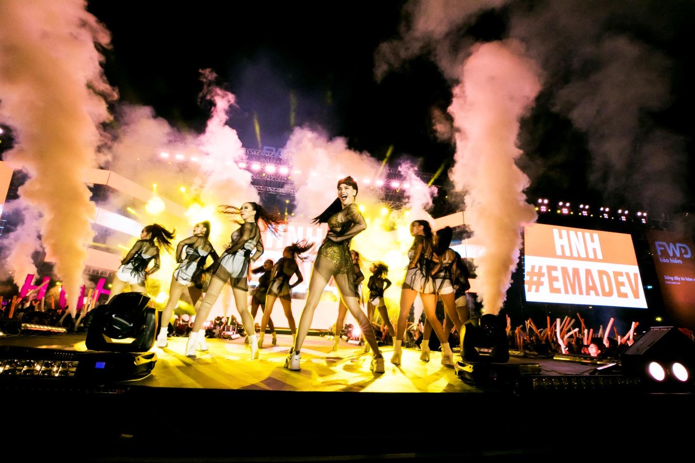 FWD Music Fest thành công mỹ mãn trong sự reo hò của 20.000 khán giả - Ảnh 3.
