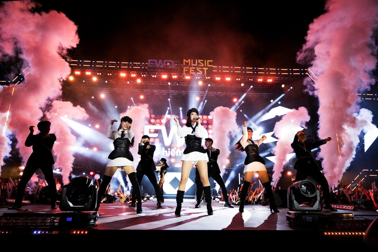 FWD Music Fest thành công mỹ mãn trong sự reo hò của 20.000 khán giả - Ảnh 5.