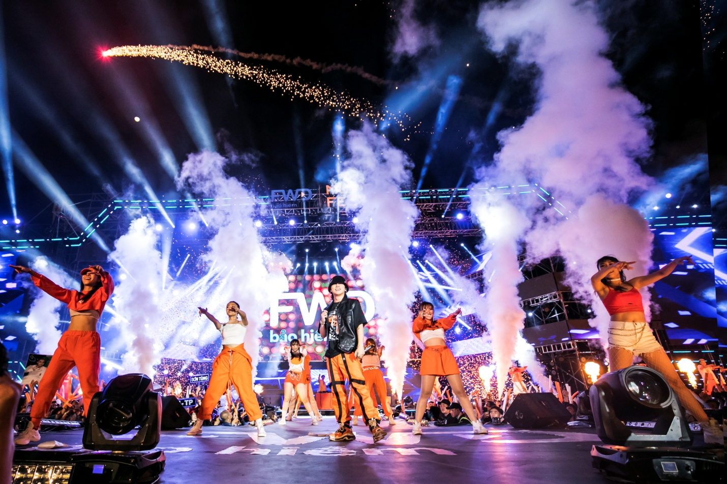 FWD Music Fest thành công mỹ mãn trong sự reo hò của 20.000 khán giả - Ảnh 6.