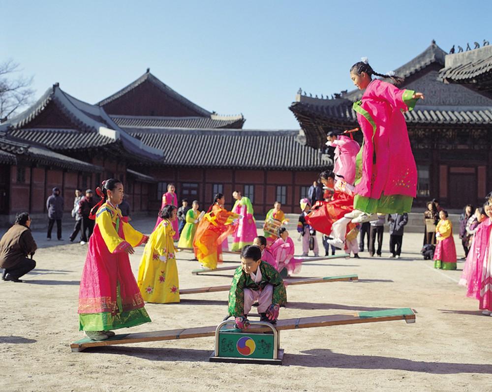 Những điểm nổi bật về phong tục tết của Hàn - Đài - Thái