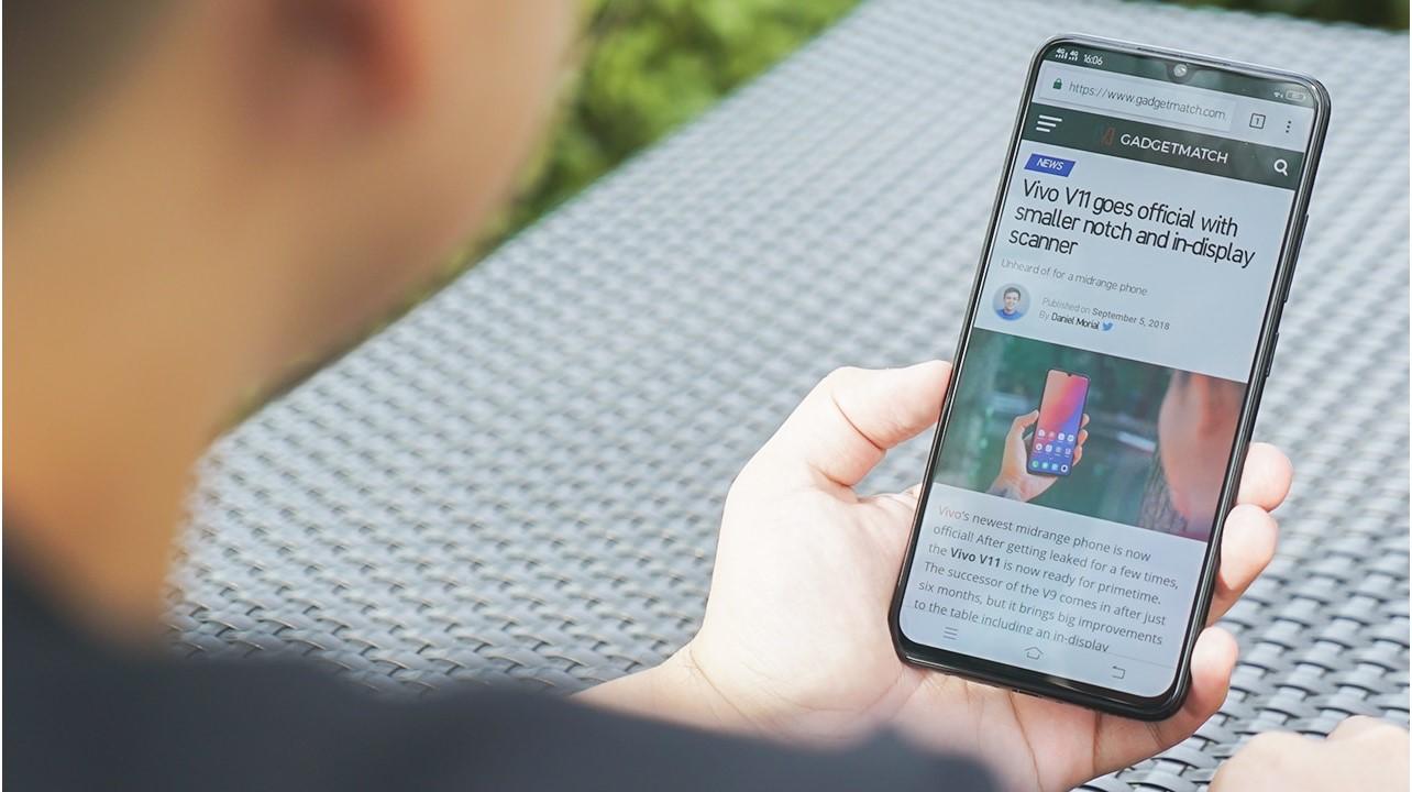 Smartphone đã giúp việc đọc sách, xem phim trở nên thuận tiện hơn bằng cách nào? - Ảnh 2.