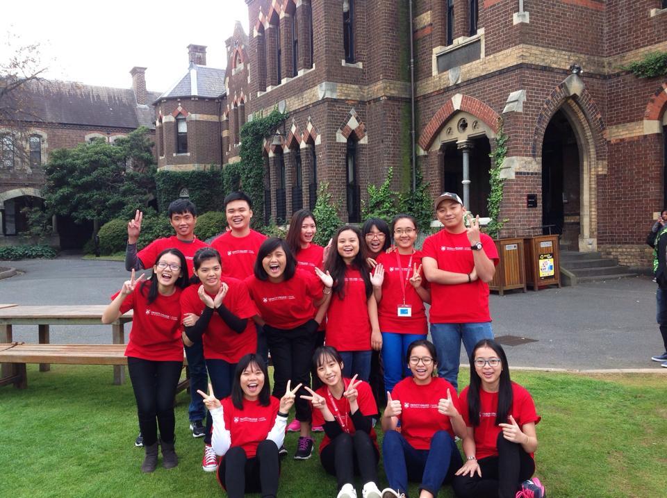 Học sinh Việt Nam trải nghiệm chương trình du học hè Nhà lãnh đạo trẻ tại Trinity College, khuôn viên Đại học Melbourne