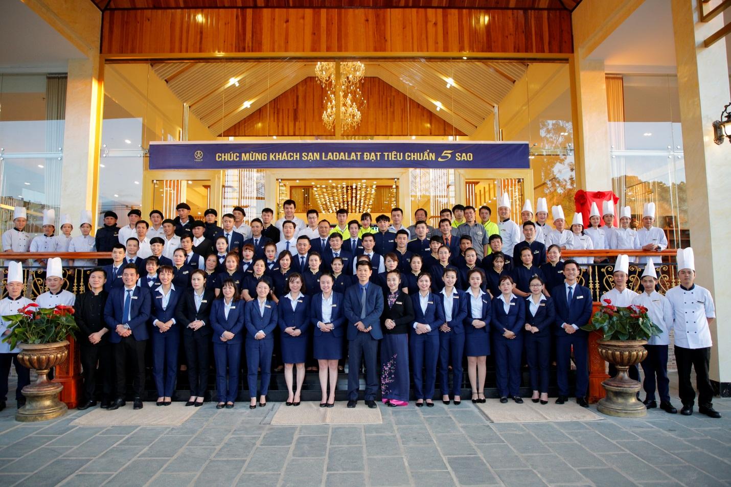 Khách sạn Ladalat chính thức được công nhận là khách sạn 5 sao - Ảnh 2.