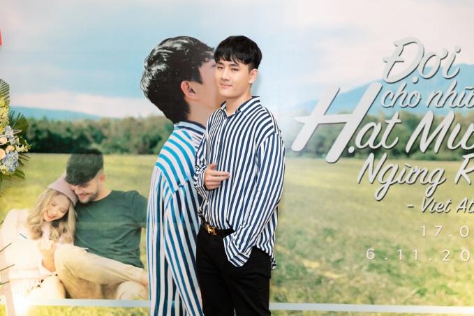 """Việt Athen hợp tác cùng hot boy """"Bùa yêu"""" trong MV """"Đợi cho những hạt mưa ngừng rơi"""" - Ảnh 3."""