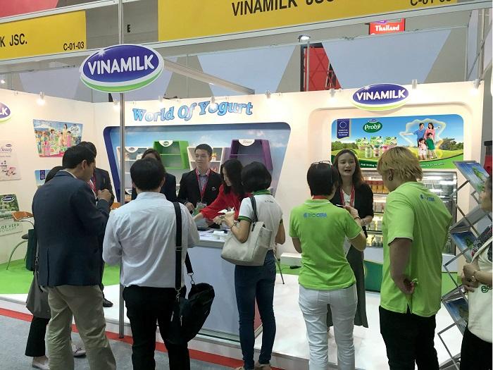 Sản phẩm sữa các loại của Vinamilk ra mắt người tiêu dùng tại Hội chợ nhập khẩu quốc tế Trung Quốc - Ảnh 4.