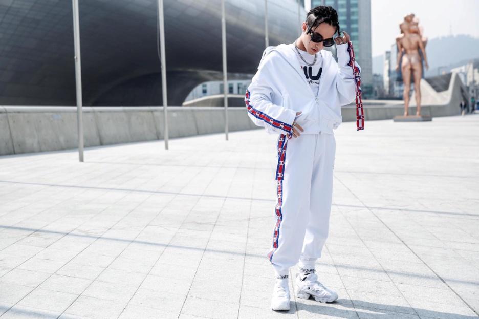 """Những thương hiệu thời trang đang """"gây bão"""" streetstyle của sao Việt - Ảnh 13."""