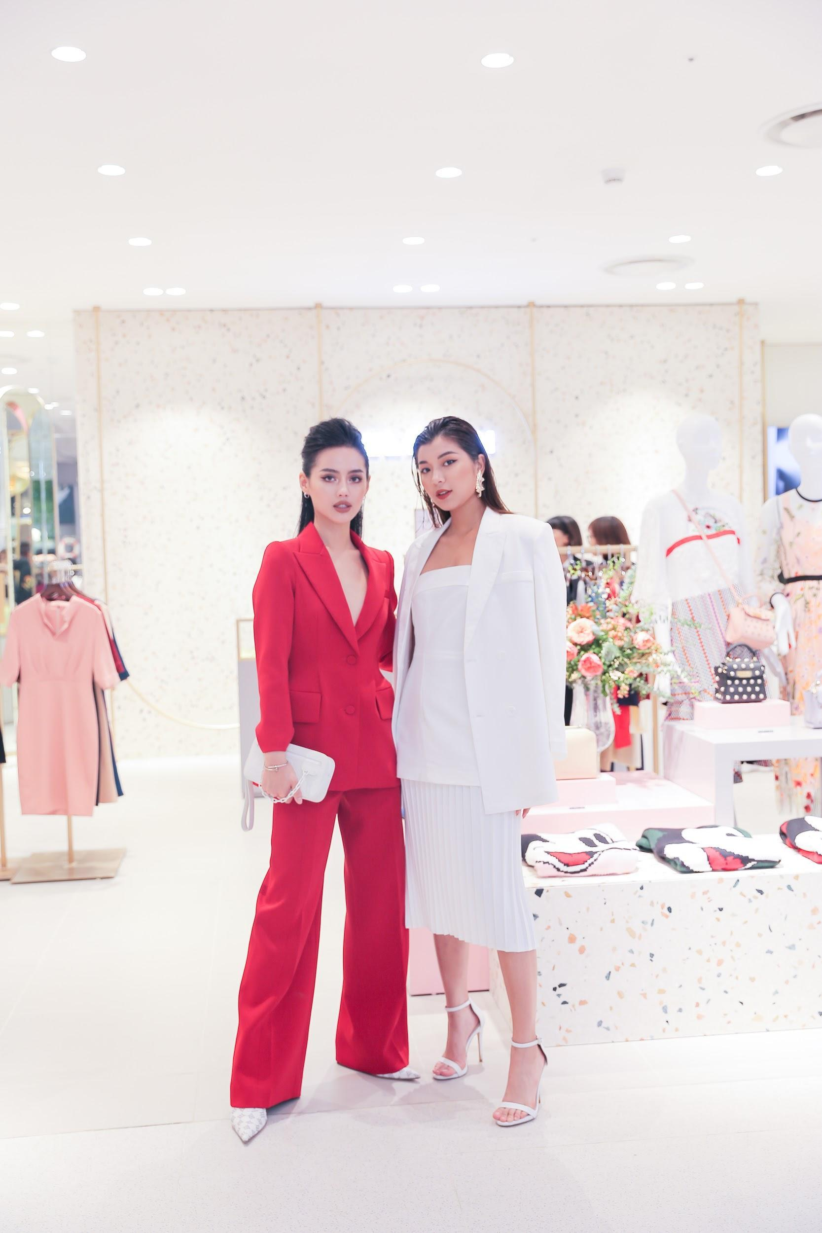 """Cặp đôi The Face Đồng Ánh Quỳnh, Khánh Linh hội ngộ, hoá thân thành đôi """"soái tỷ rủ nhau đi mua sắm - Ảnh 7."""