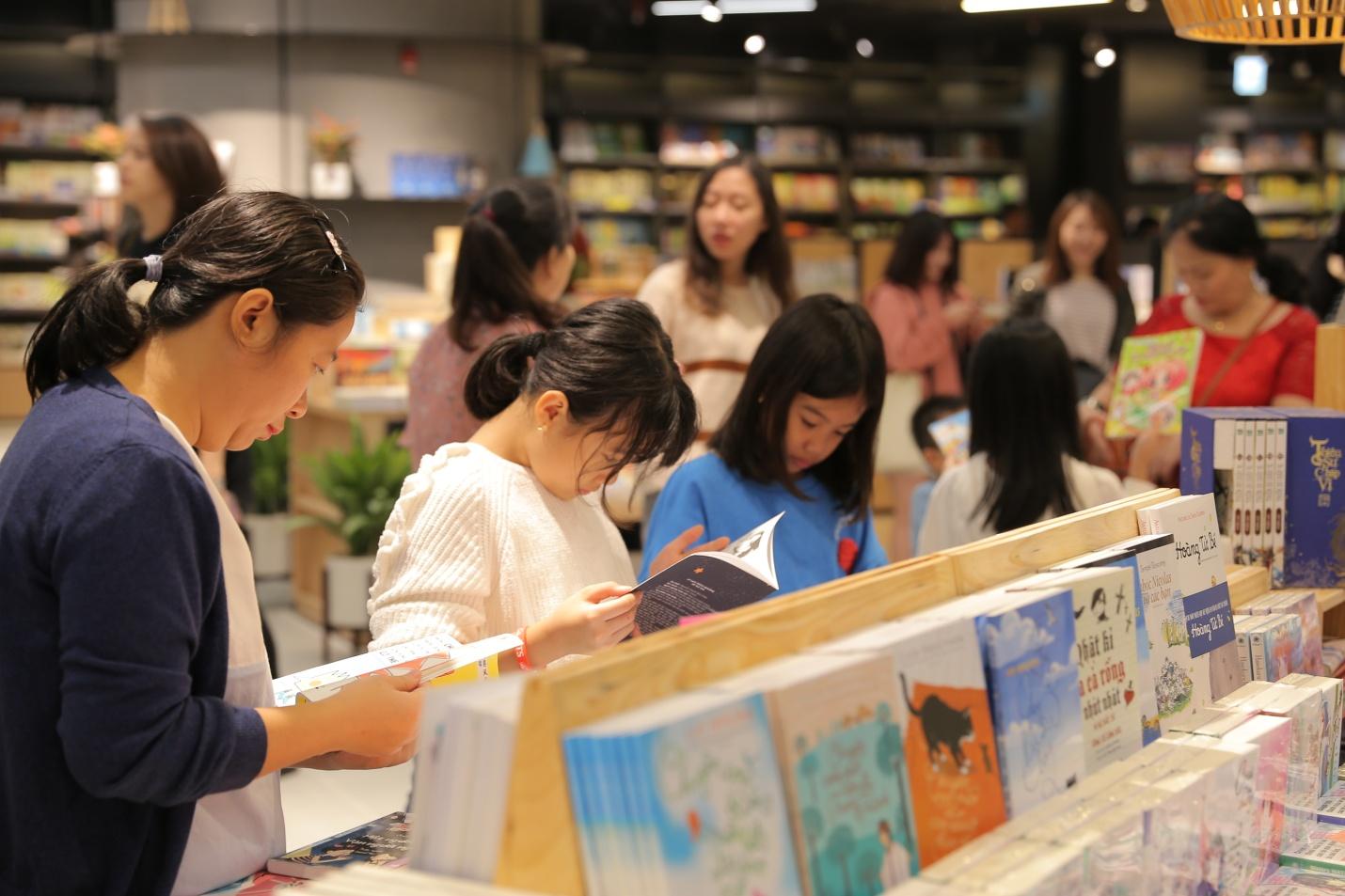 Thiên đường sách mới tại Hà Nội dành cho các bạn trẻ - Ảnh 3.