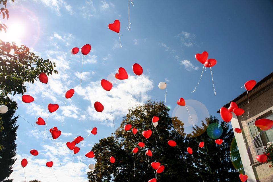 Dùng bóng bay để cầu hôn – ý tưởng không bao giờ cũ (Nguồn ảnh: Pixabay)