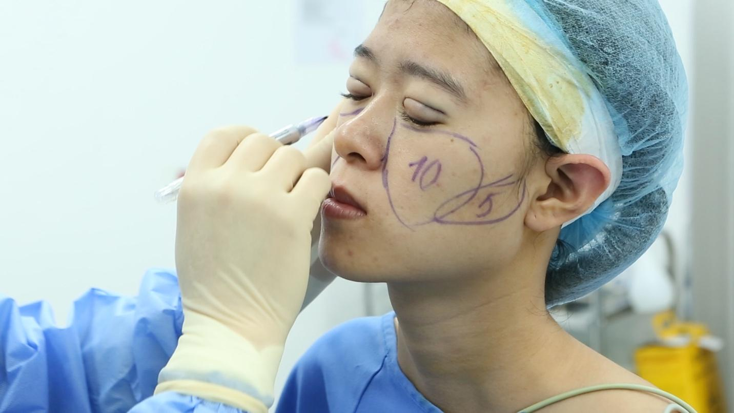 Cô gái 9X và quá trình phẫu thuật đầy thách thức