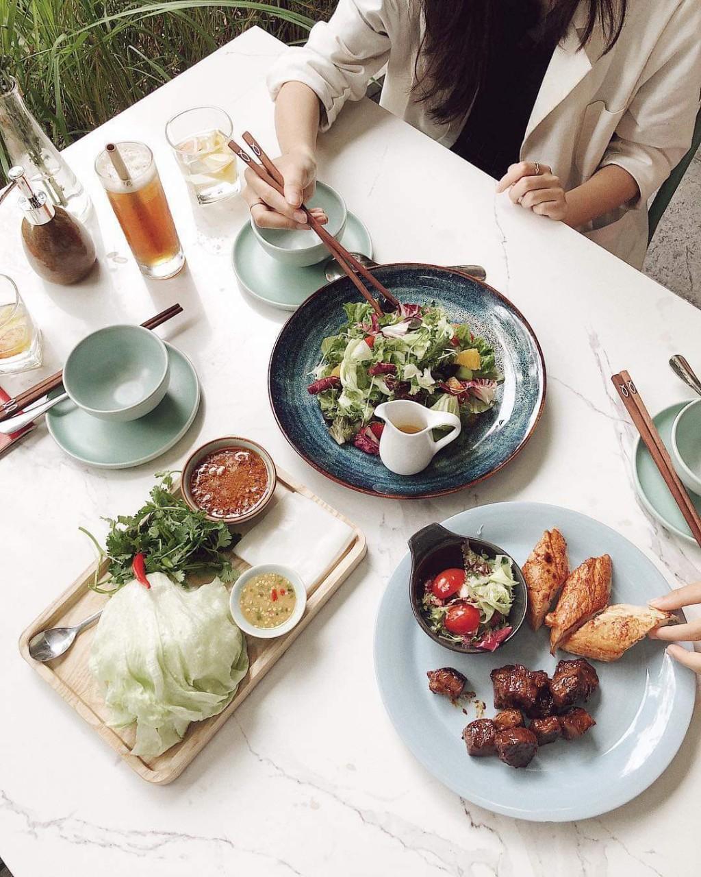 Các tín đồ ẩm thực háo hức khi Quán Ăn Ngon khai trương nhà hàng 3.000m2 ngay trung tâm thành phố - Ảnh 1.