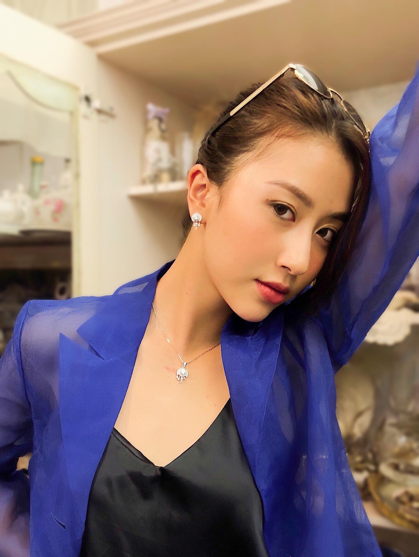 Phương Ly, Quỳnh Anh Shyn và loạt fashionista Việt khoe cá tính với trang sức bạc cực chất - Ảnh 8.