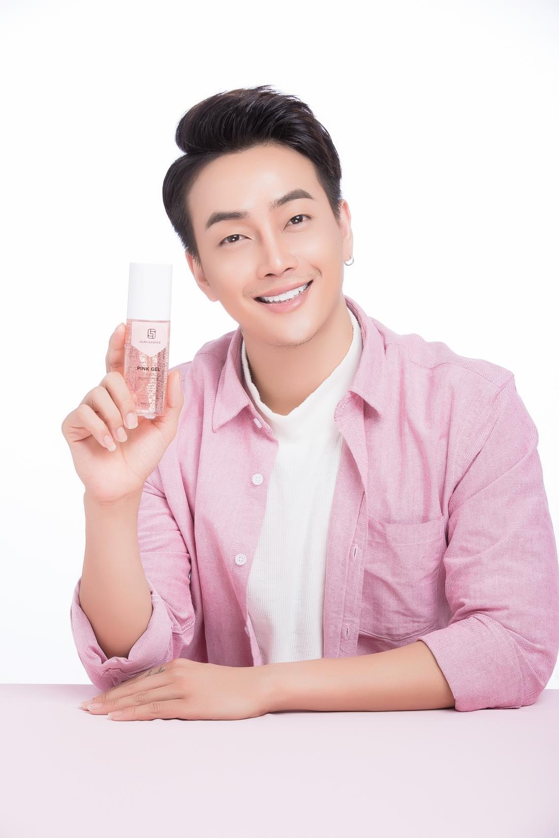 Học hỏi Nhật Kim Anh chăm sóc da với bộ tẩy trang toàn diện và xịt tinh chất hoa hồng - Ảnh 2.