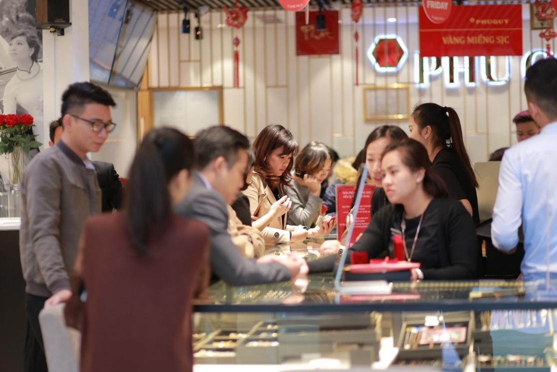 Vàng bạc đá quý Phú Qúy siêu giảm giá đến 40% dịp Black Friday 2018 - Ảnh 2.