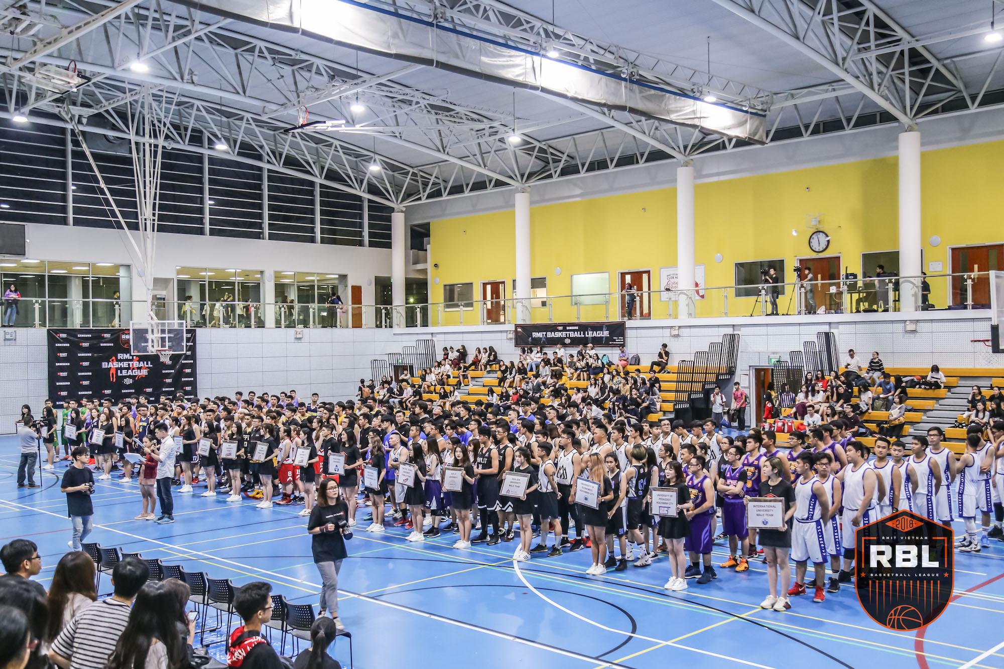 Đội chủ nhà RMIT thắng đậm tại lễ khai mạc giải bóng rổ truyền thống hàng năm - Ảnh 1.