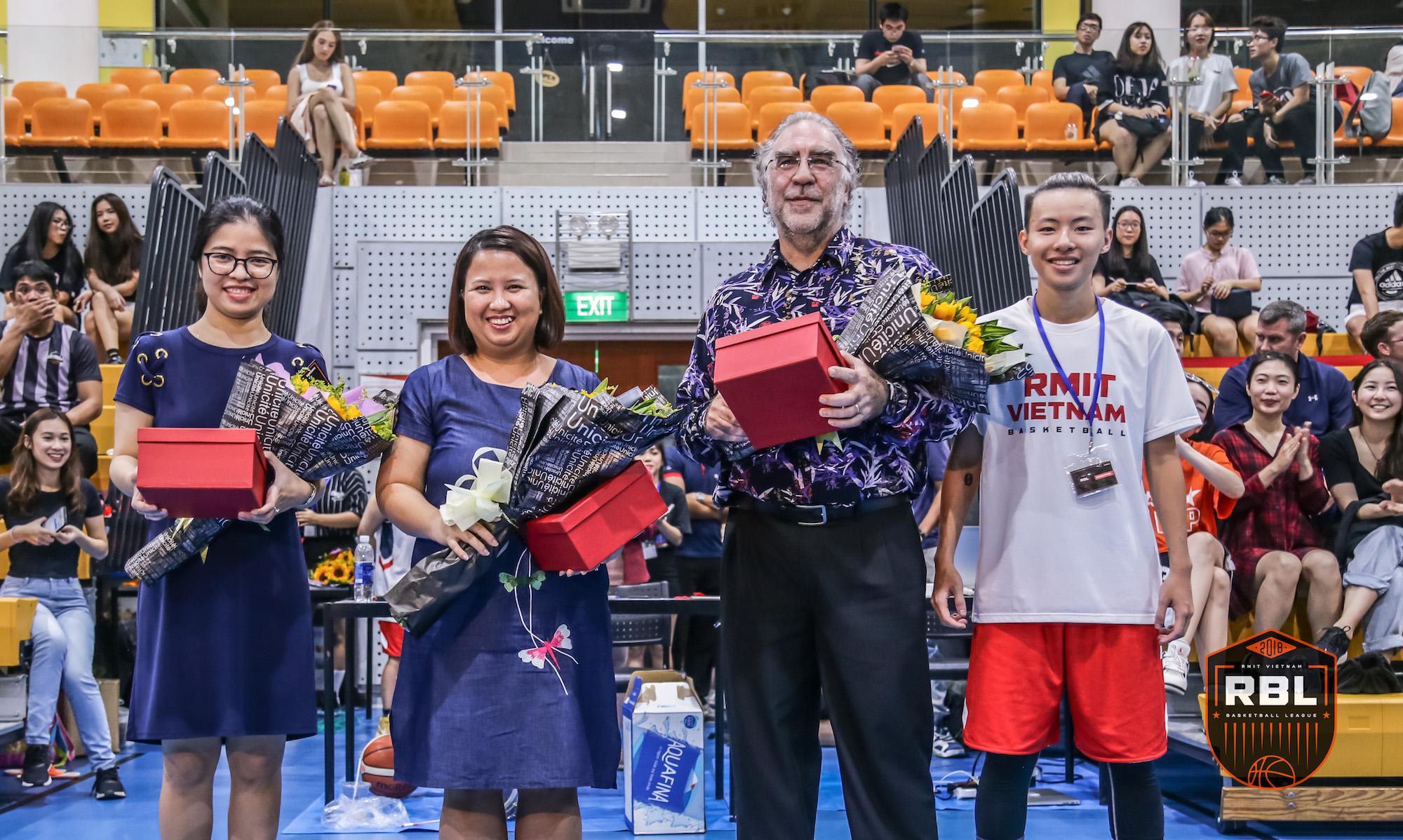 Đội chủ nhà RMIT thắng đậm tại lễ khai mạc giải bóng rổ truyền thống hàng năm - Ảnh 2.