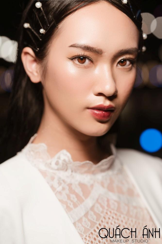 """Quách Ánh make-up: Người rắc """"bụi phép"""" vào các fashion show Việt - Ảnh 5."""