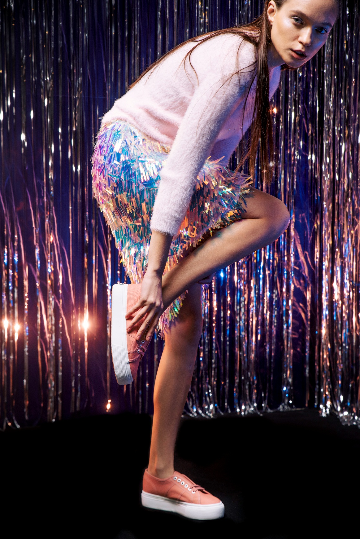 BST Thu Đông giày Superga 2750: Khi thời trang là những bước chân tự do - Ảnh 1.