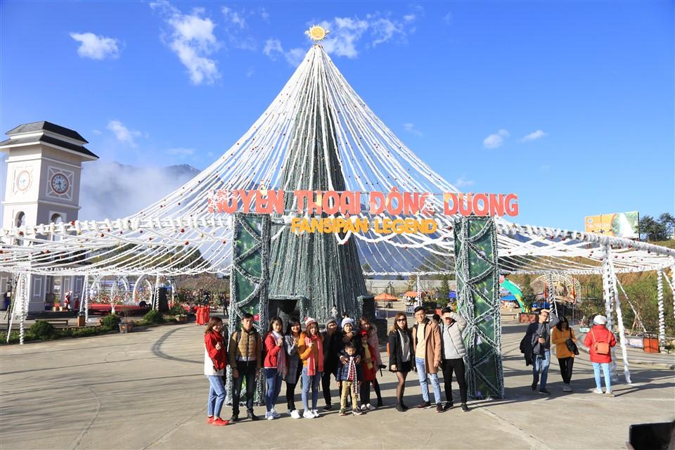 Giá vé cáp treo Fansipan giảm tới 50% vào lễ hội mùa đông - Ảnh 3.