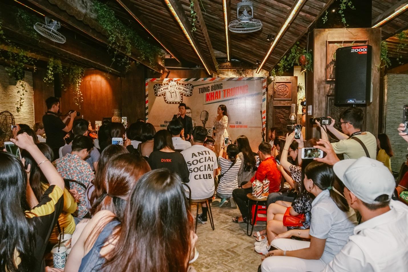 """Phạm Quỳnh Anh, Hamlet Trương lần đầu cùng nhau """"hóa thân thành cậu Hai, cô Ba Sài Gòn trên sân khấu - Ảnh 6."""