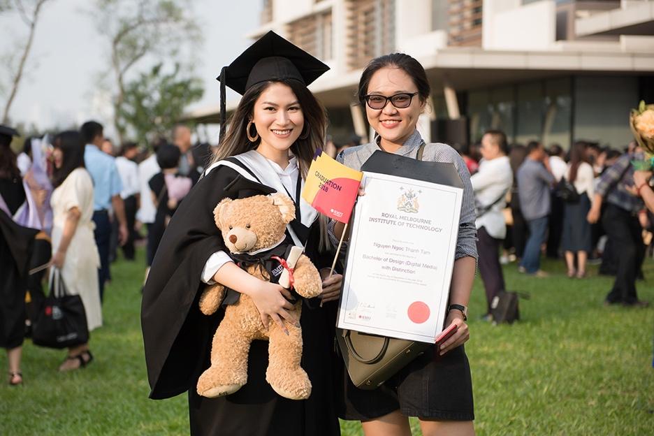 Ngọc Thanh Tâm nhận bằng tốt nghiệp loại giỏi trường đại học quốc tế - Ảnh 5.