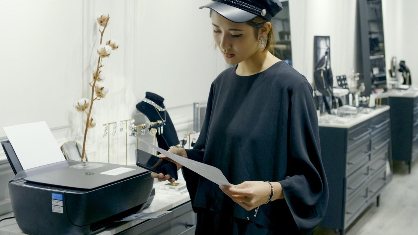 Julia Đoàn - Từ câu chuyện gợi cảm hứng đến thấu hiểu khách hàng - Ảnh 1.