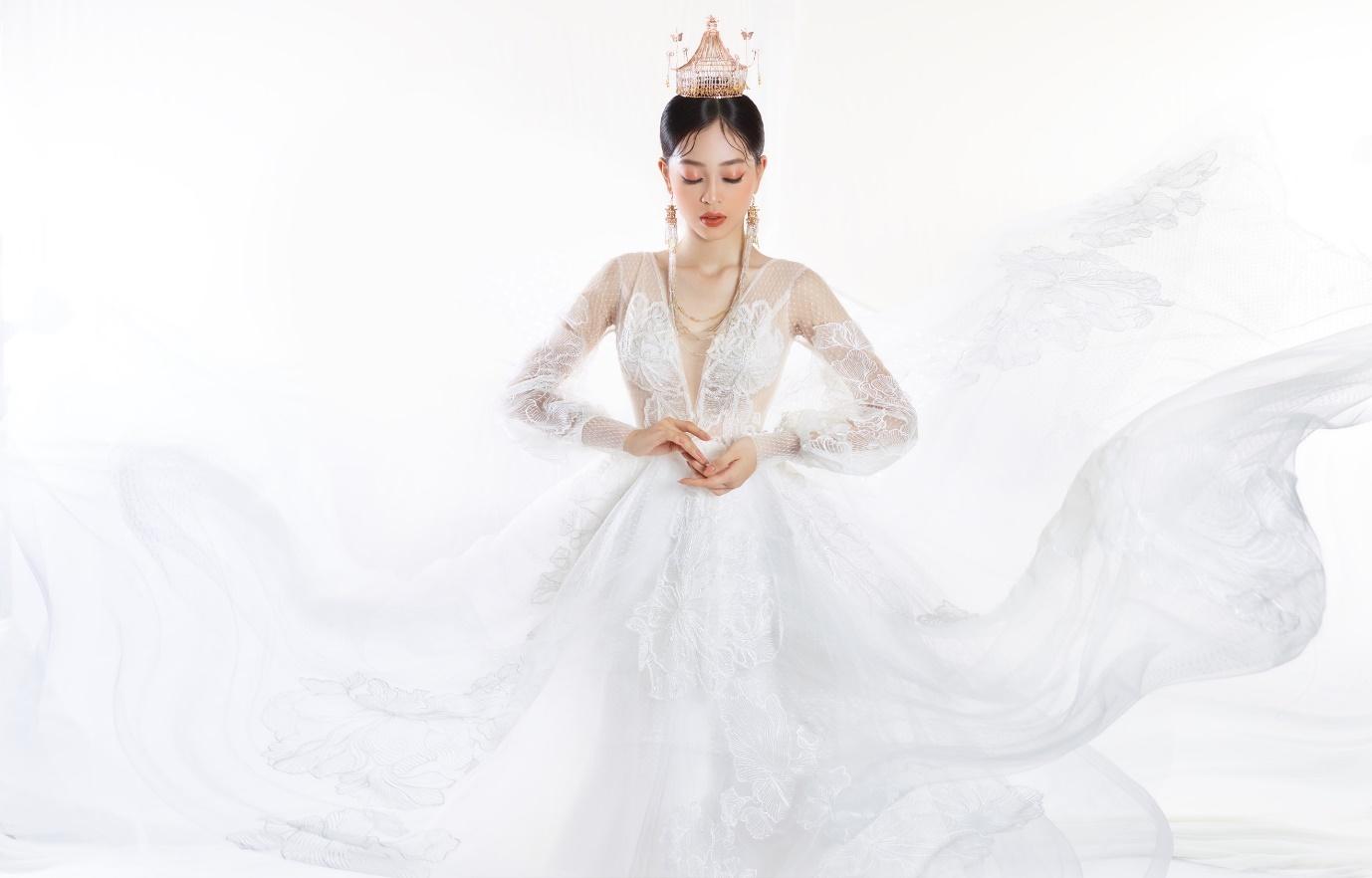 Ngắm Á hậu Bùi Phương Nga đẹp ngẩn ngơ trong BST váy cưới - Ảnh 7.