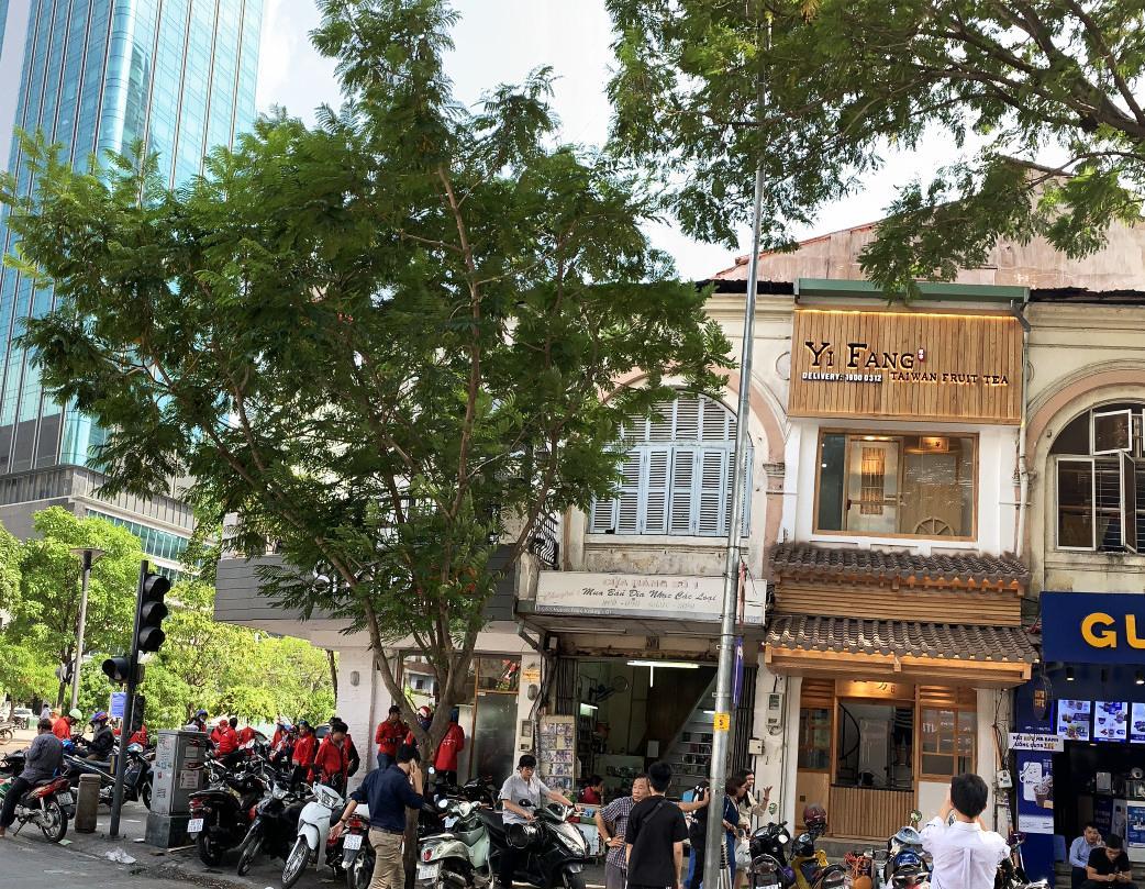 ''Xông đất'' Yifang ngay cạnh phố đi bộ Nguyễn Huệ - Ảnh 1.