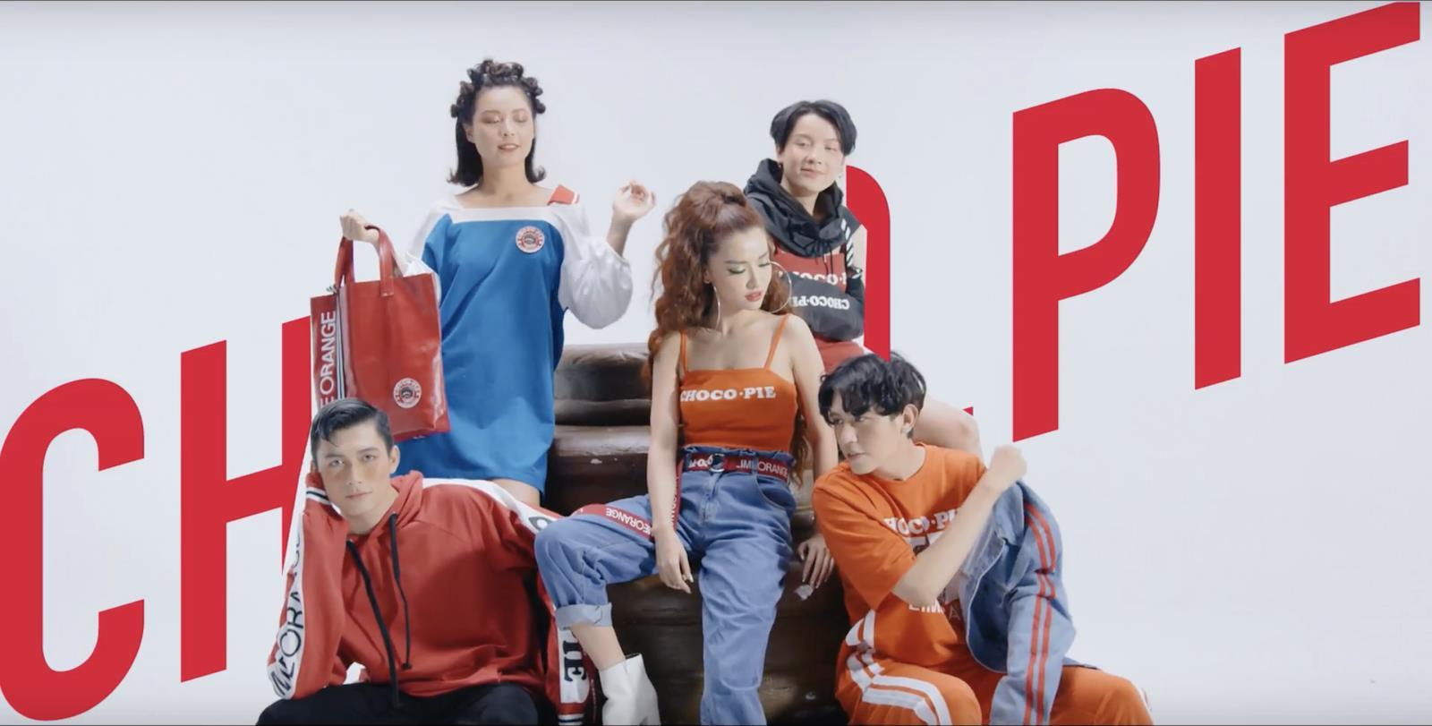 Bích Phương lại tiếp tục cùng hãng bánh tuổi thơ gây sốt với videography thời trang đốn tim fan - Ảnh 3.