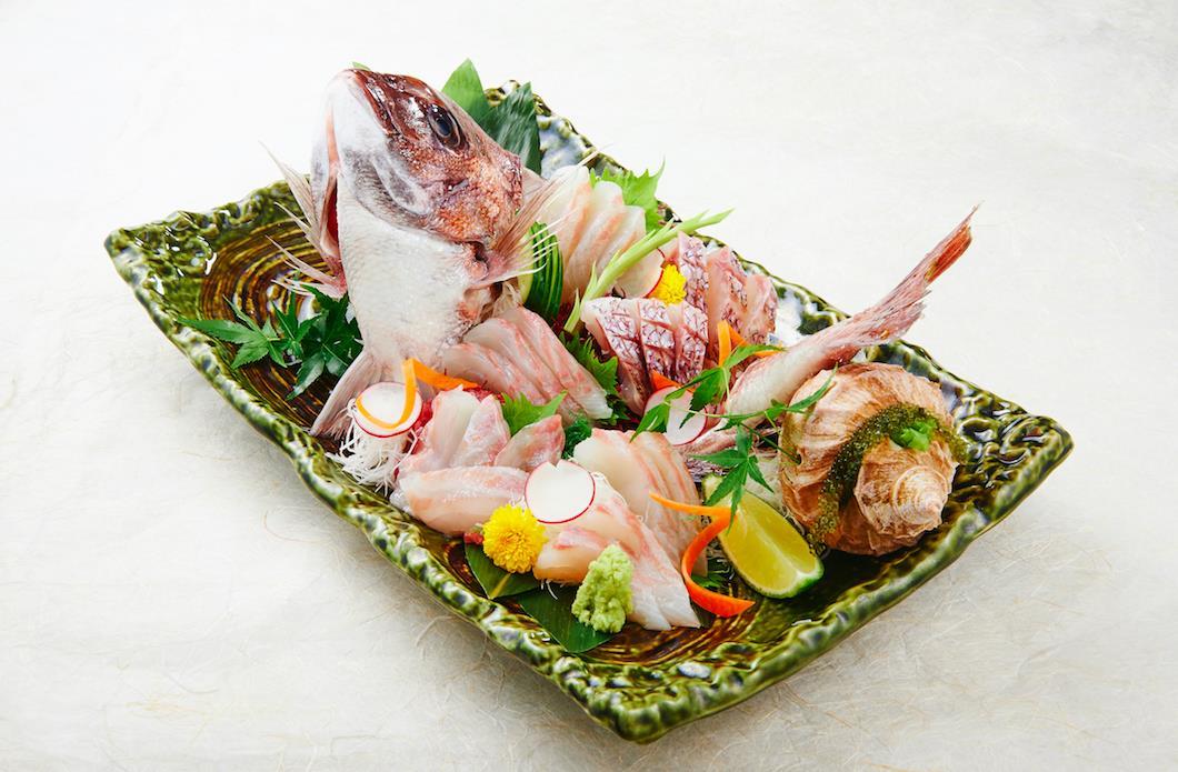 Thưởng thức sushi chuẩn Nhật ở Sài Gòn - Ảnh 3.