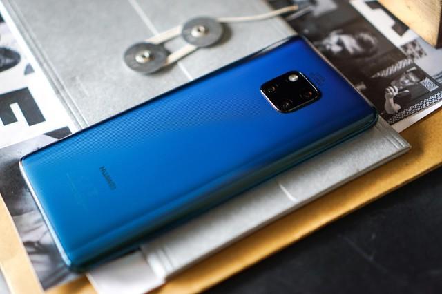 Chiêm ngưỡng tân binh Huawei Mate 20 Pro không chỉ đẹp mà còn mạnh mẽ - Ảnh 1.