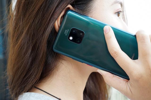 Chiêm ngưỡng tân binh Huawei Mate 20 Pro không chỉ đẹp mà còn mạnh mẽ - Ảnh 4.