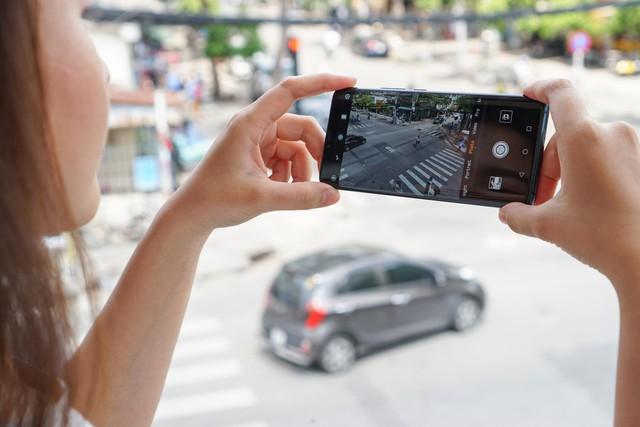 Chiêm ngưỡng tân binh Huawei Mate 20 Pro không chỉ đẹp mà còn mạnh mẽ - Ảnh 7.