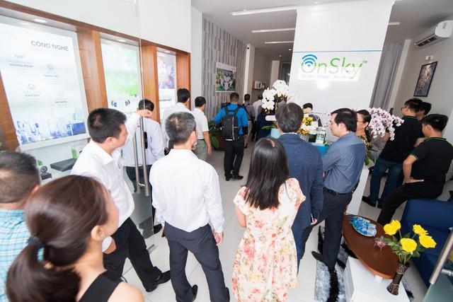 Khai trương showroom chính thức sản phẩm và giải pháp smart home OnSky tại Việt Nam - Ảnh 3.