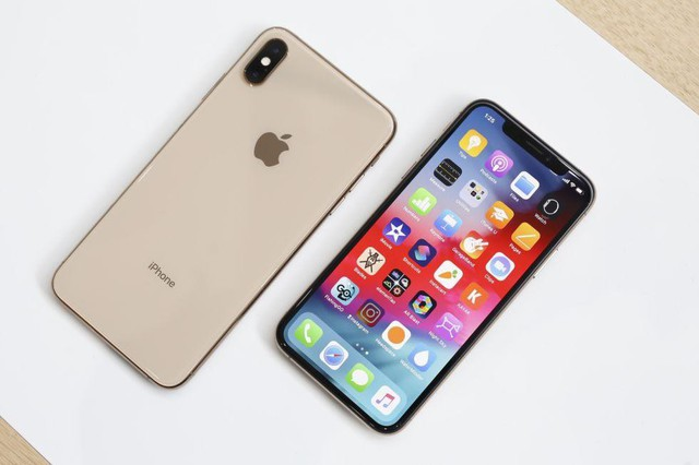 So với iPhone XS Max, Huawei Mate 20 Pro có những điểm gì để cạnh tranh? - Ảnh 1.