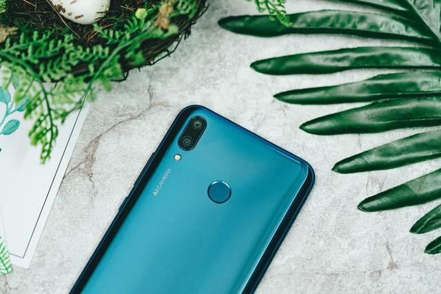 Trên tay và trải nghiệm nhanh Huawei Y9 2019 - Một sát thủ giải trí ở tầm giá dưới triệu đồng - Ảnh 8.