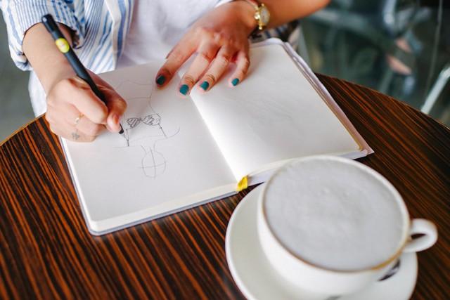 Hãy nhìn cách cô gái này dùng S-Pen, bạn sẽ tin rằng Galaxy Note9 thực sự hữu ích trong công việc - Ảnh 4.