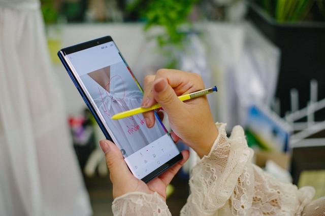 Hãy nhìn cách cô gái này dùng S-Pen, bạn sẽ tin rằng Galaxy Note9 thực sự hữu ích trong công việc - Ảnh 7.