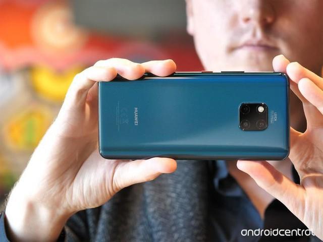 Top smartphone cao cấp dịp mua sắm cuối năm - Ảnh 1.