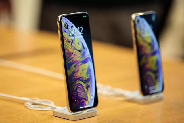 Top smartphone cao cấp dịp mua sắm cuối năm - Ảnh 3.